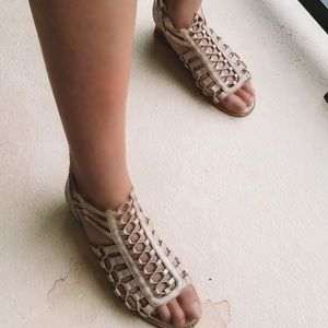 Beige/Silver zip up Sandal